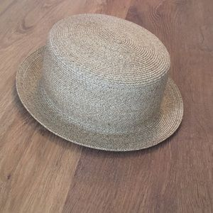 Eugenia Kim boater hat NWT